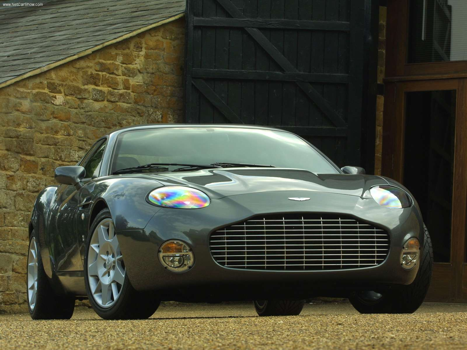 Tuning Aston Martin DB7 Coupe 2002 Online, Accessories And