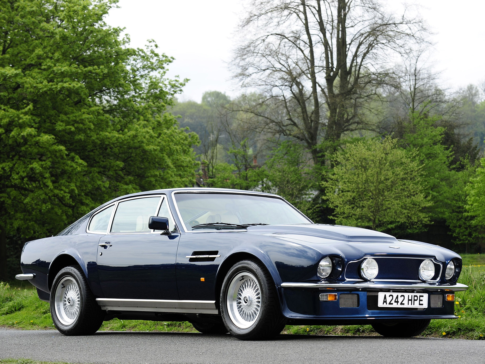 tuning aston martin v8 vantage coupe 1977 online accessories and spare parts for tuning aston. Black Bedroom Furniture Sets. Home Design Ideas