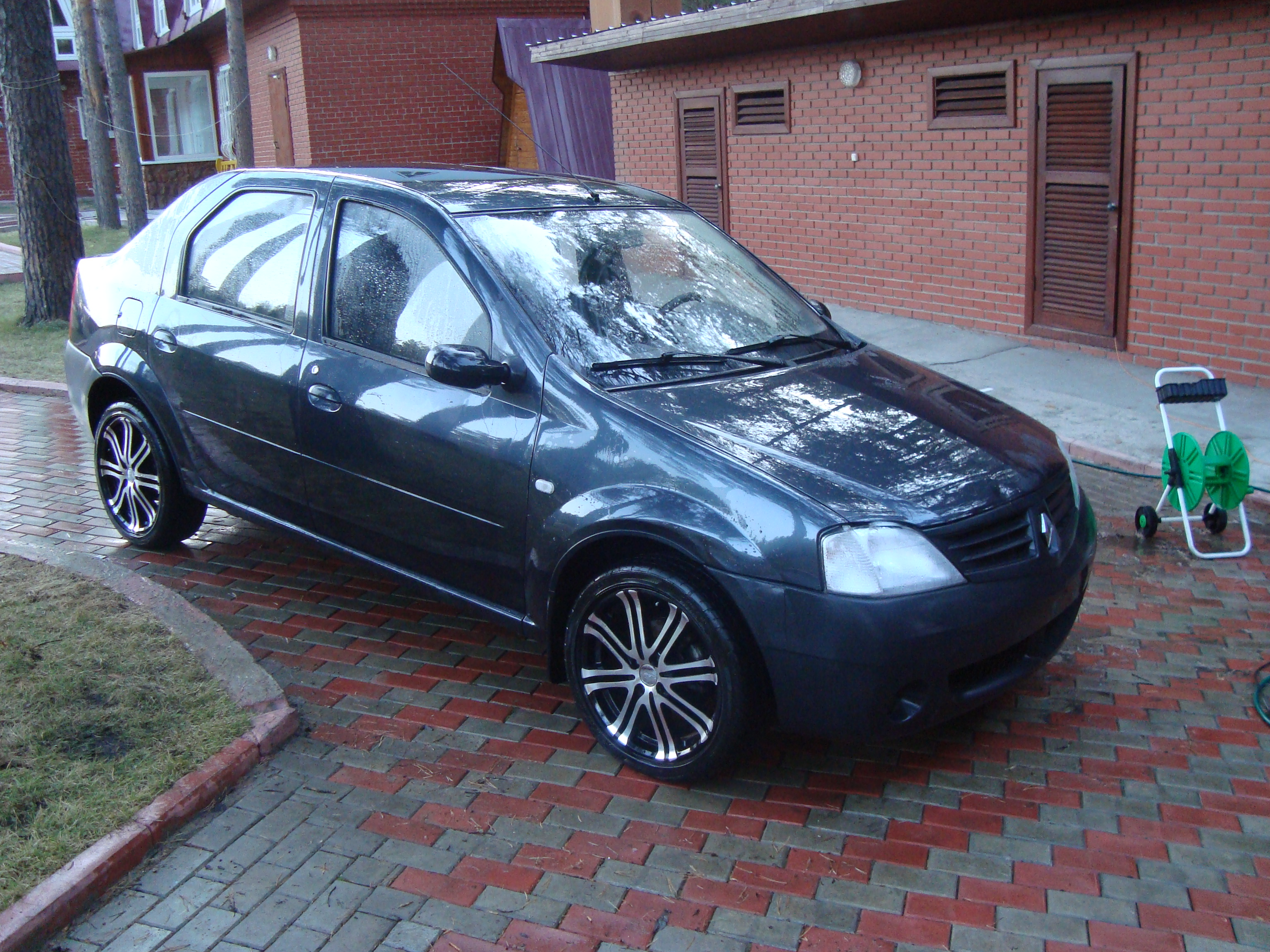 my perfect renault logan 3dtuning probably the best car. Black Bedroom Furniture Sets. Home Design Ideas
