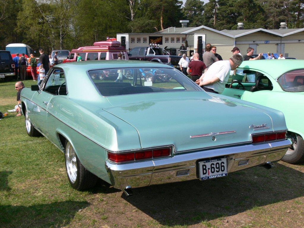 Alfa img showing gt 1966 caprice sport coupe pictures and information